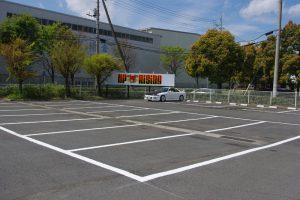 広い駐車場も完備!